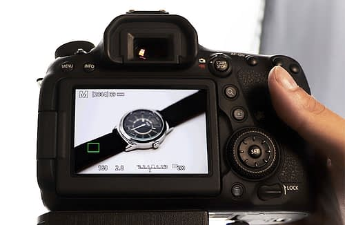 How to set a camera before manual focus stacking