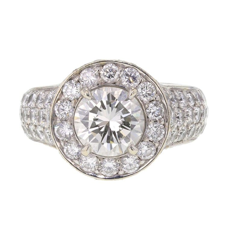 hyperfocus on a picture of a ring to see all the details