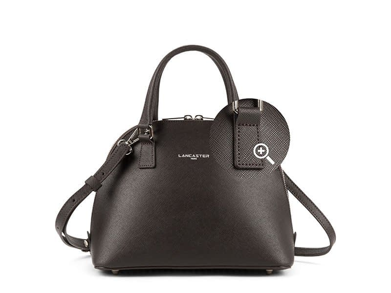 photo of a handbag for ecommerce purposes with zoom possibility