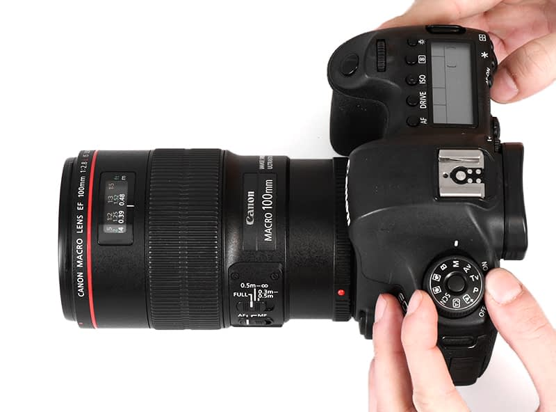 camera on manual mode to use in PackshotCreator photo studios